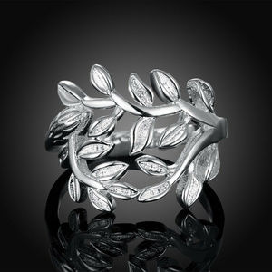 Jewelry - LOVELY Silver Plated Leaf Ring